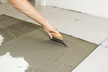 unerh rt berufe a z platten und fliesenleger in lehrberuf p. Black Bedroom Furniture Sets. Home Design Ideas
